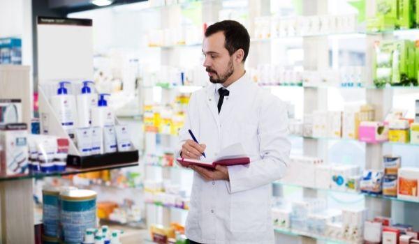 D Pharmacy क्या होता है? जाने पूरी जानकारी हिंदी में